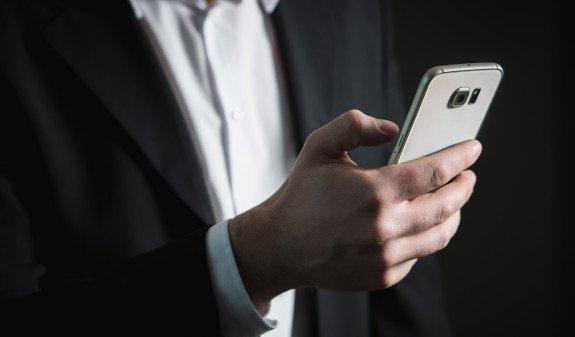 Госдума в первом чтении поддержала запрет на продажу смартфонов без российского ПО