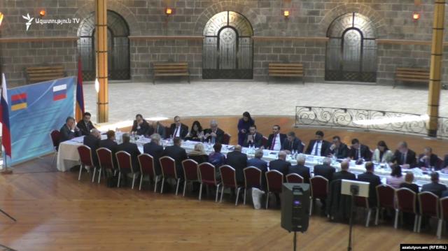 Мы обсуждали вопросы, направленные на развитие нашего сотрудничества в рамках ЕАЭС - зампред Совета Федерации РФ