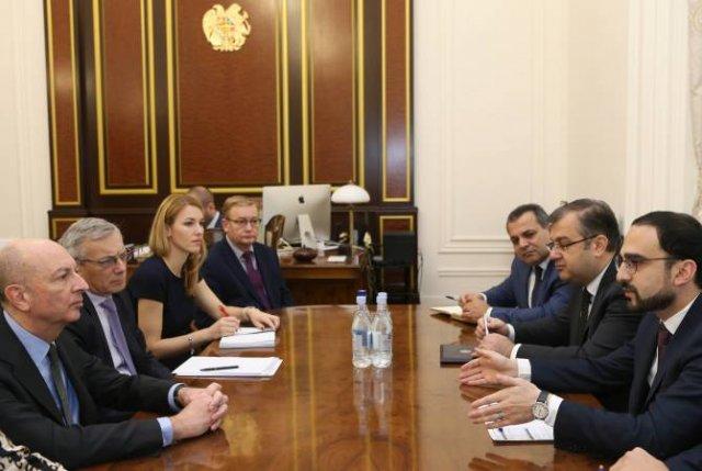 Вице-премьер Тигран Авинян принял генерального секретаря ЕБРР