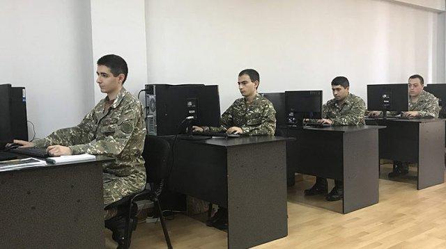 Минобороны Армении объявляет конкурс для призывников