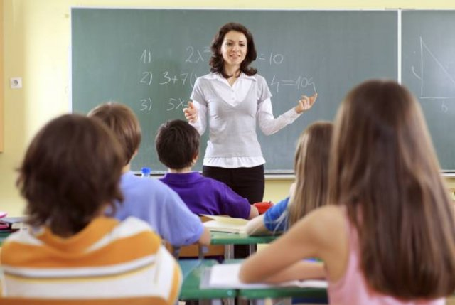 В Армении учителям и ученикам предоставят компенсацию транспортных расходов
