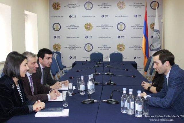 """Новый формат сотрудничества Защитника прав человека и фракции """"Луйс"""" Совета старейшин Еревана"""