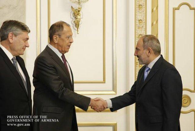 Никол Пашинян и Сергей Лавров обсудили вопросы повестки дня армяно-российских отношений