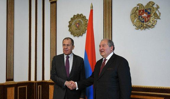Президент Армении встретился с главой МИД России