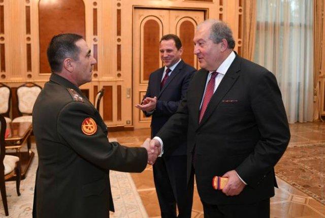 Указом президента Армении, Армену Арутюняну присвоено воинское звания генерал- майора