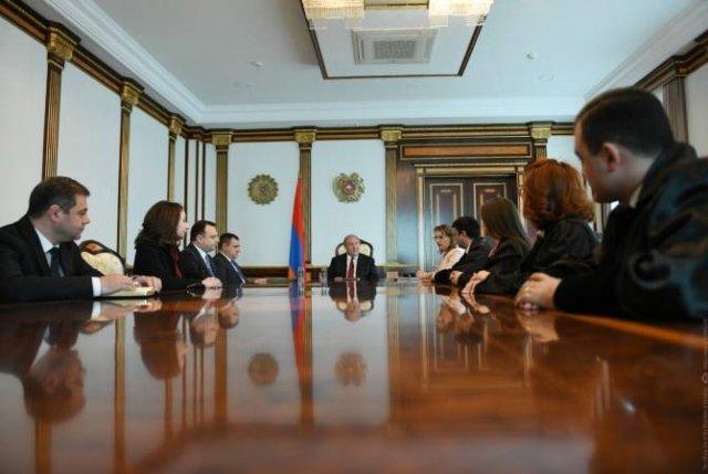 В резиденции президента Армении состоялась церемония приведения к присяге новоназначенных судей