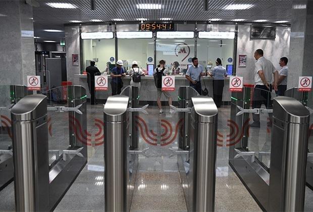 Определены самые раздражающие пассажиры московского метро