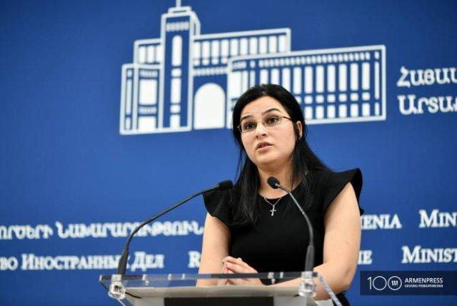 МИД Армении не подтверждает и не опровергает информацию о визите журналистов в Баку