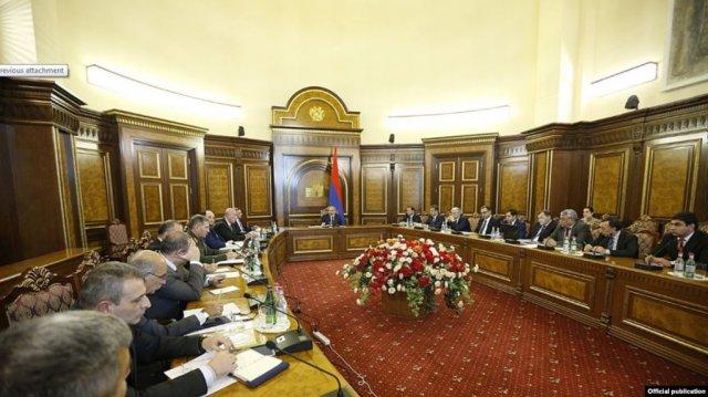 Премьер-министр подчеркнул важность развития военной промышленности