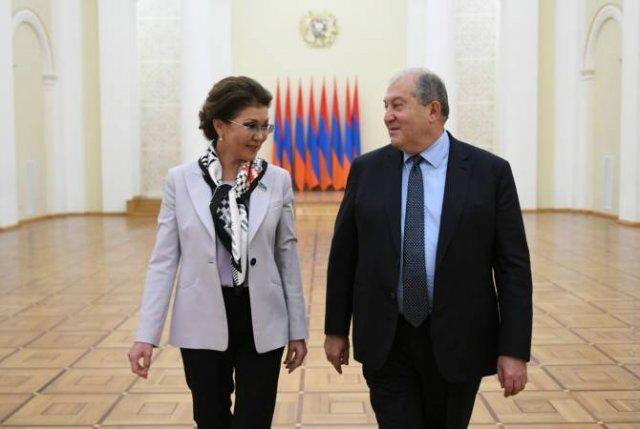 Президент Казахстан с официальным визитом посетит