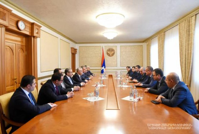 Президент Арцаха встретился с делегацией Центробанка Армении
