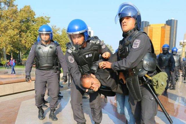 В Баку продолжаются притеснения и аресты активистов