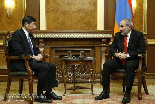 Премьер-министр и генсек Всемирной таможенной организации обсудили вопросы развития сотрудничества