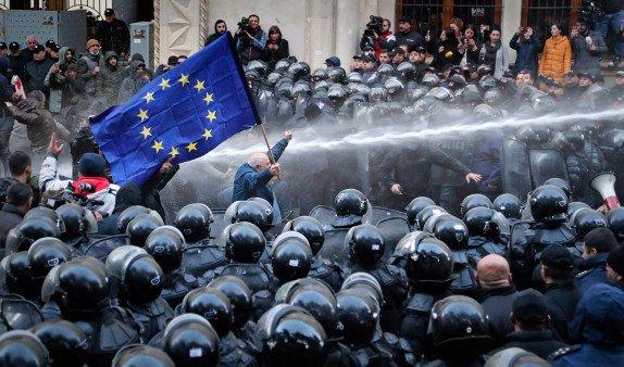 Оппозиция в Грузии продолжит акции протеста