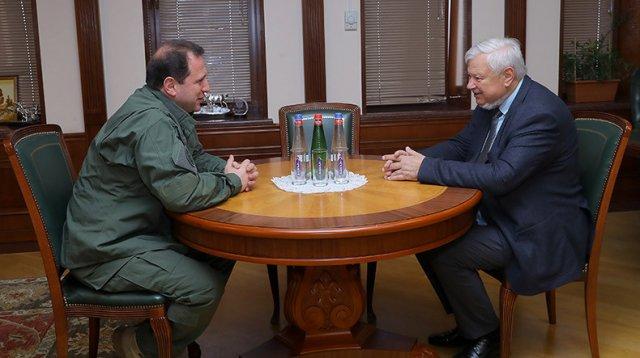 Давид Тоноян и Анджей Каспршик обсудили ситуацию в зоне карабахского конфликта