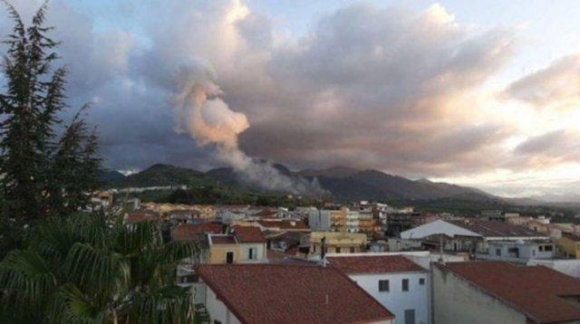 Не менее четырех человек погибли при взрыве на Сицилии