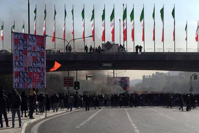 Власти Ирана частично восстановили доступ в интернет