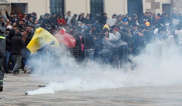 В столице Колумбии введен комендантский час из-за массовых протестов