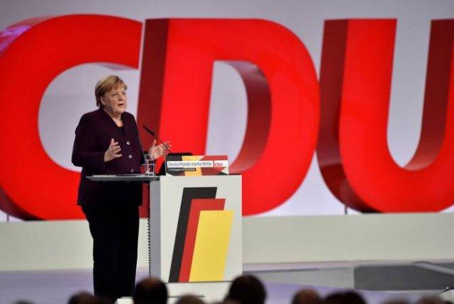 Меркель заявила о необходимости добрососедских отношений между ФРГ и Россией