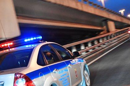 Россиянин зарезал сожительницу, угнал ее машину и протаранил полицейских