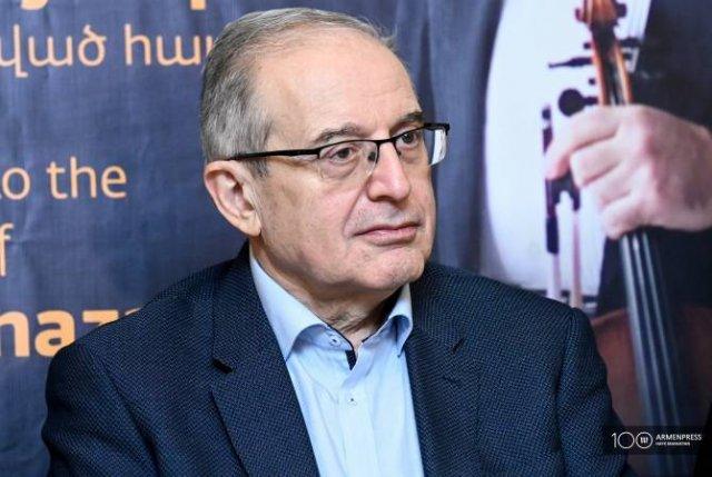 Скрипачу Сурену Ахназаряну присвоено звание Заслуженного артиста РА