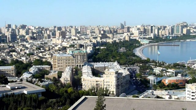 Смена власти в Азербайджане: громкое начало