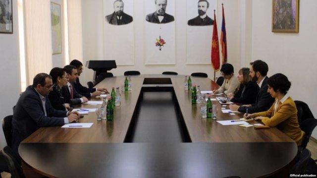 Посол США встретилась с членами Верховного органа АРФД в Армении