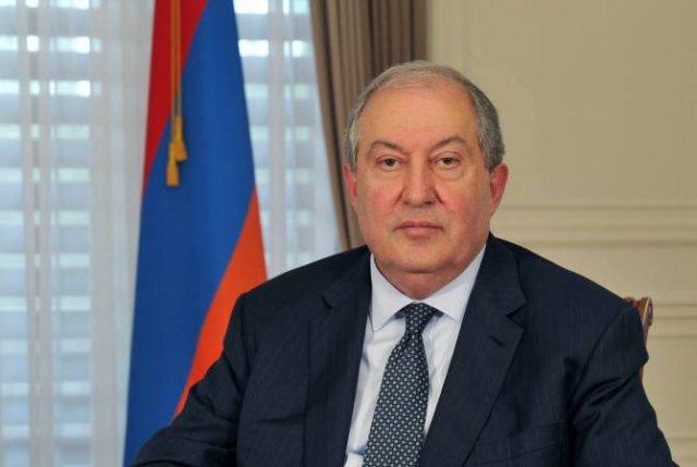 Президент Армении направил телеграмму соболезнования президенту Албании