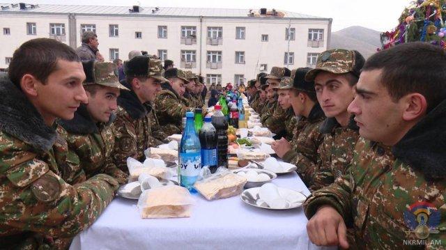 Госминистр и министр обороны Арцаха посетили боевые позиции