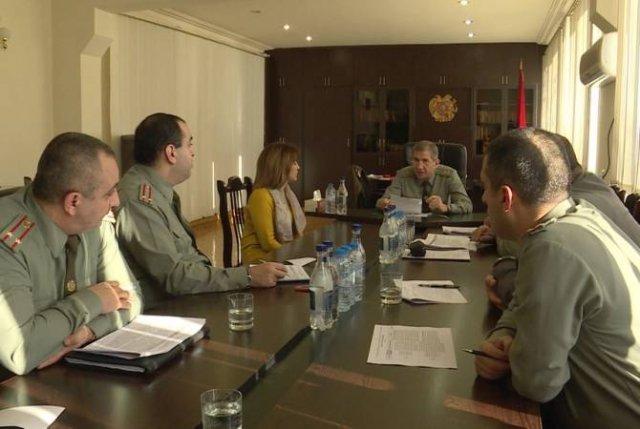 Заместитель начальника Генштаба ВС Армении принял граждан, обратившихся с различными вопросами