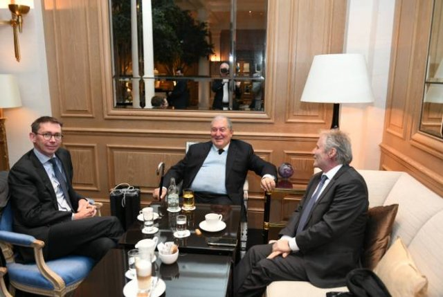 "Армен Саркисян в Цюрихе встретился с представителями французской компании ""Thales Group"""