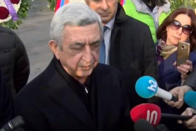 Третий президент Армении Серж Саргсян посетил воинский пантеон «Ераблур»