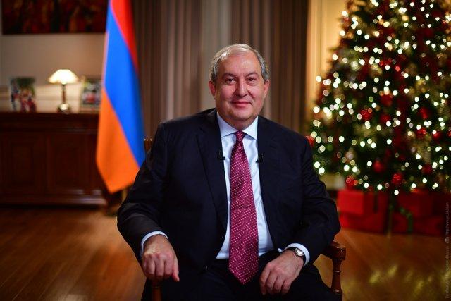 Армен Сарксиян - президент Армении