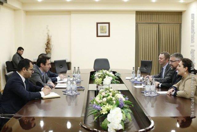 Мэр Еревана принял посла Королевства Швеция в Республике Армения