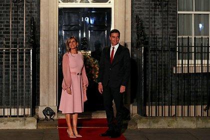 Супруга премьер-министра Испании заразилась коронавирусом