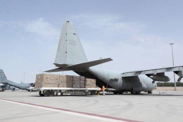 ОАЭ предоставили Ирану 32 тонны медицинских принадлежностей и другого оборудования