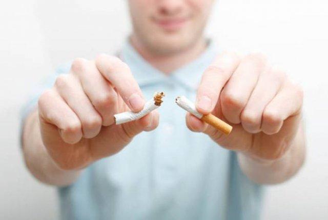 Торосян призывает бросить курить для защиты от коронавируса