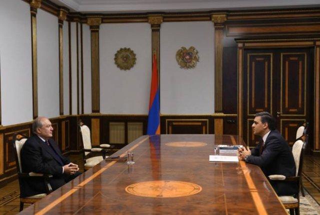 Армен Саркисян встретился с омбудсменом Армении Арманом Татояном