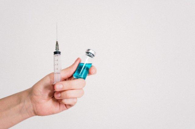 США заявили о прекращении испытания препарата от малярии против COVID-19