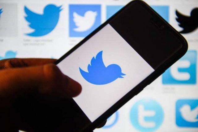 """Twitter удаляет термины """"хозяин"""", """"раб"""" и """"черный список"""" из кодов"""