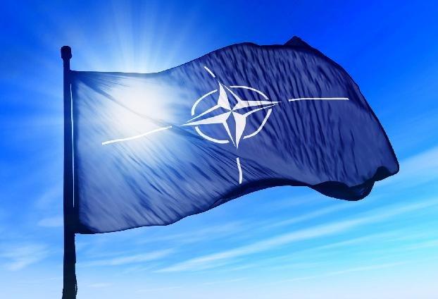 НАТО: Сторонам конфликта в Нагорном Карабахе следует немедленно прекратить боевые действия и возобновить переговоры