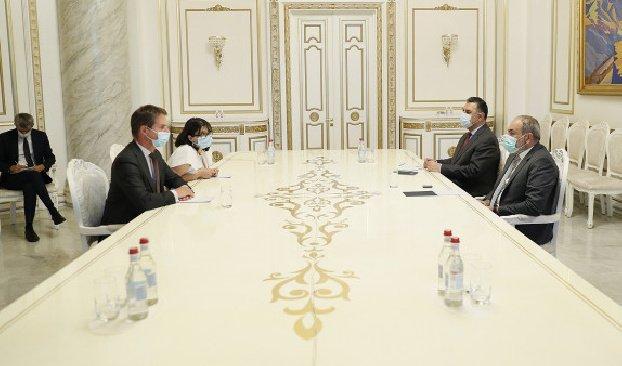 Пашинян подчеркнул важную роль Франции как сопредседателя Минской группы ОБСЕ