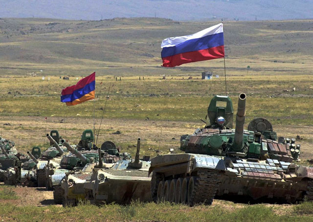 День Армии - праздники Армении